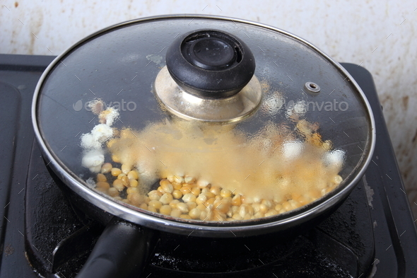 Как сделать попкорн на сковородку