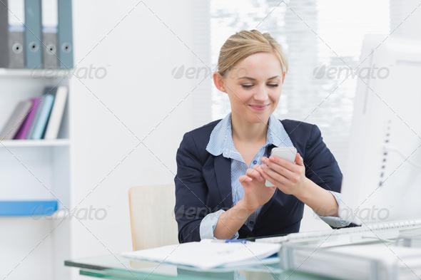 писает в офисе-сь1
