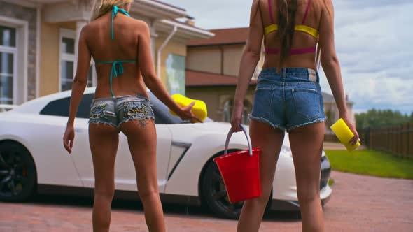 Big tits bikini movies
