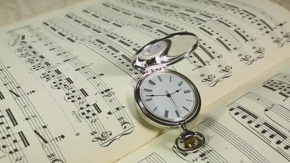 VideoHive Musical Notes And Classic Watches 19834764