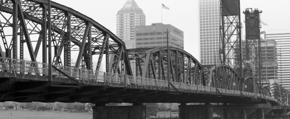 040152547 bw foggy hawthorne bridge%20(590x242)