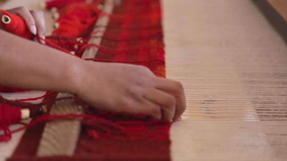 Weaving Traditional Mexican Carpet 2 By Dubassy