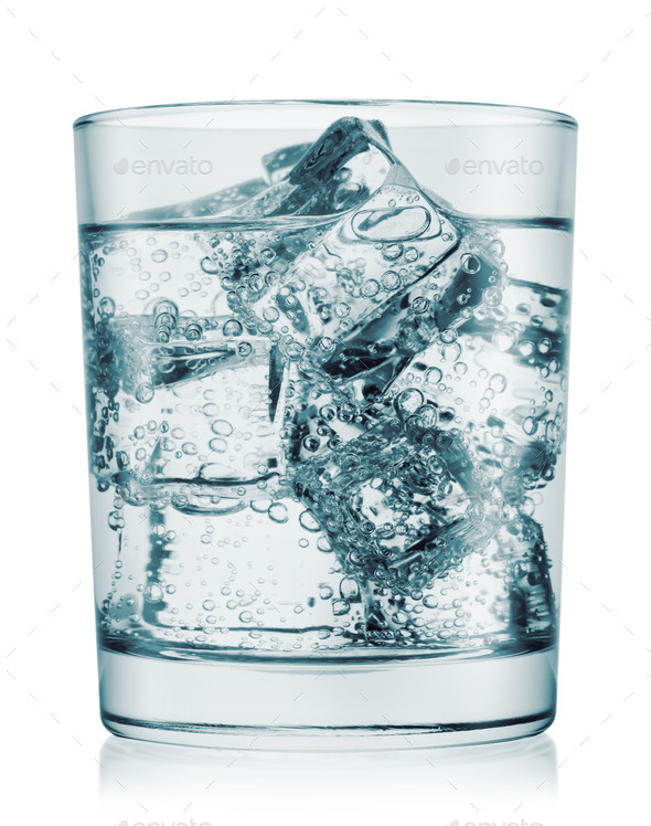 Glass%20of%20cold%20water%20with%20gas.j