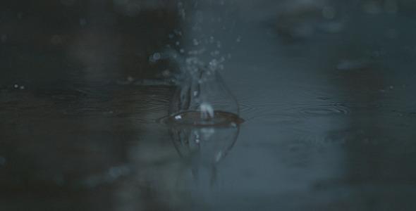 Falling Water Drops 02