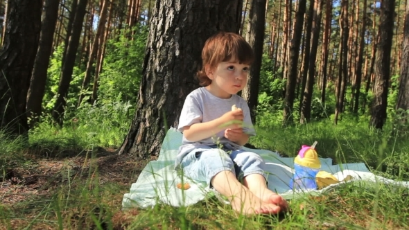 Child Eats In The Trees