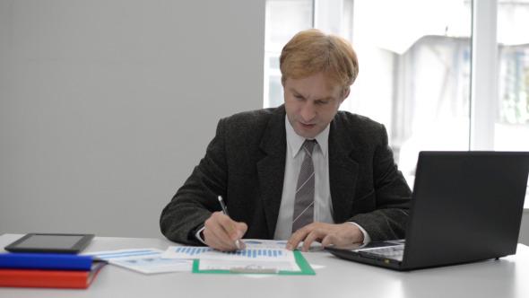 Financial Work in Office
