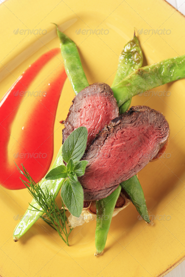 Roast beef and snow peas - Stock Photo - Images