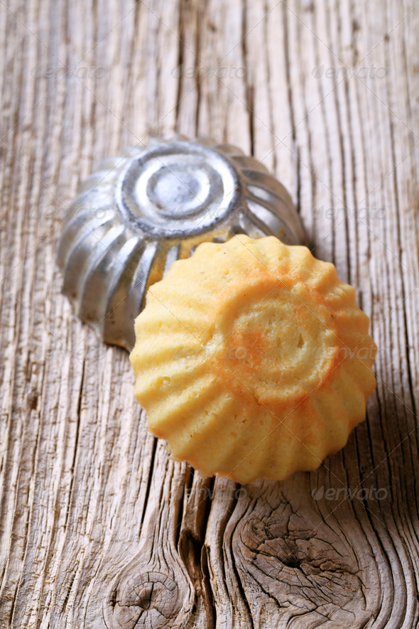 Tart shell and baking pan - Stock Photo - Images
