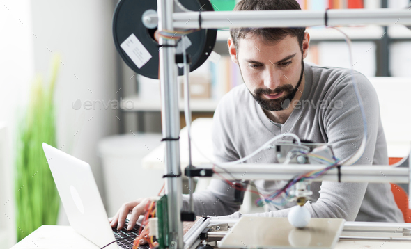 3D printing in the laboratory - Stock Photo - Images