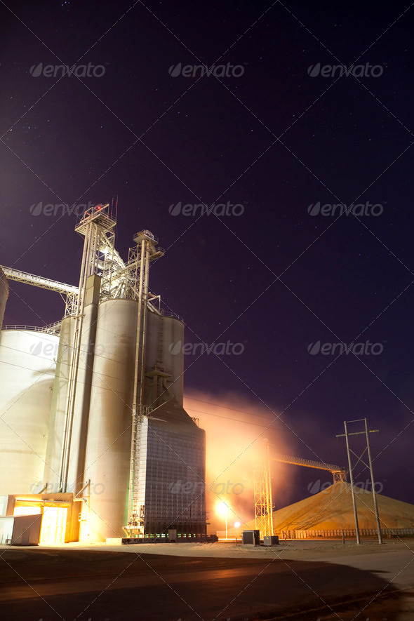 drying grain for ethanor - Stock Photo - Images
