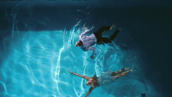 Date in Pool