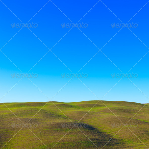 Tuscany: typical landscape. Rolling hills near Siena. - Stock Photo - Images