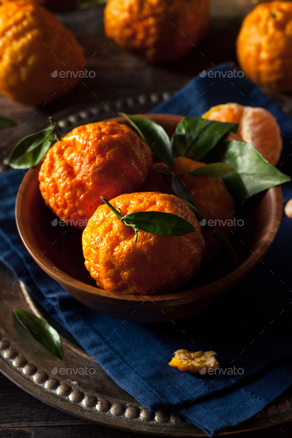Raw Organic Gold Nugget Mandarin Oranges