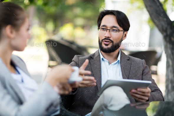 Explaining viewpoint - Stock Photo - Images