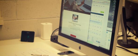 Rsz 1creative apple desk office%20(1)
