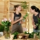 Prepare Flowers for Selling, Florists Work