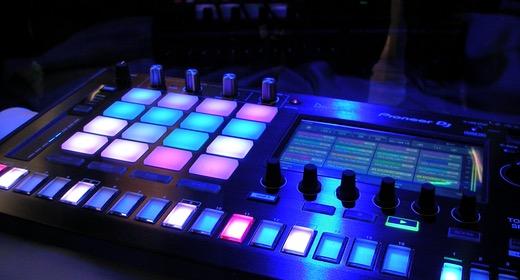 Electronic & Modern