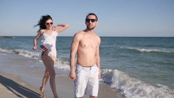Love Couple Make Selfi Photo on Beach, Guy Circling Girl, Positive Young People Shoot Video From