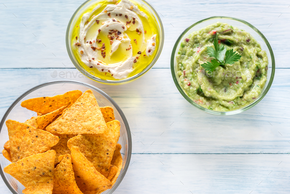 Chips with hummus anf guac