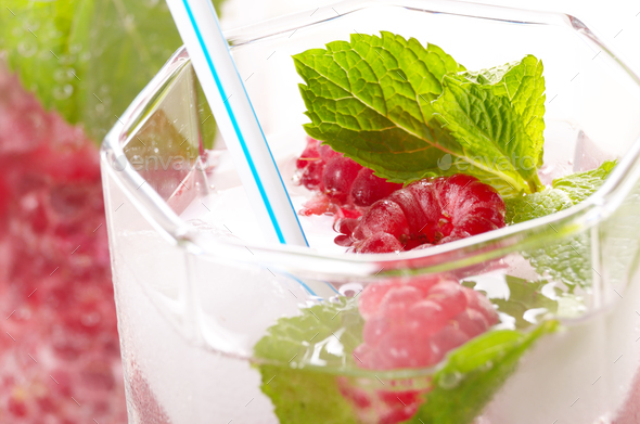 Raspberry Fruit Water with ice