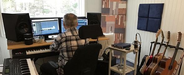 Music studio%20242
