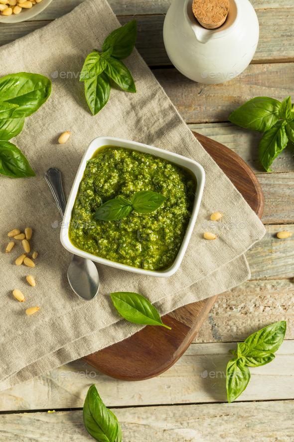 Homemade Italian Green Basil Pesto Sauce
