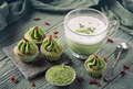 Matcha cup cakes with goji berry and matcha latte