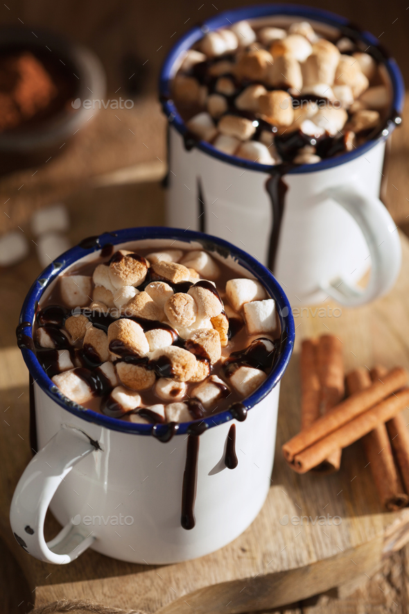 s'mores hot chocolate mini marshmallows cinnamon winter drink - Stock Photo - Images