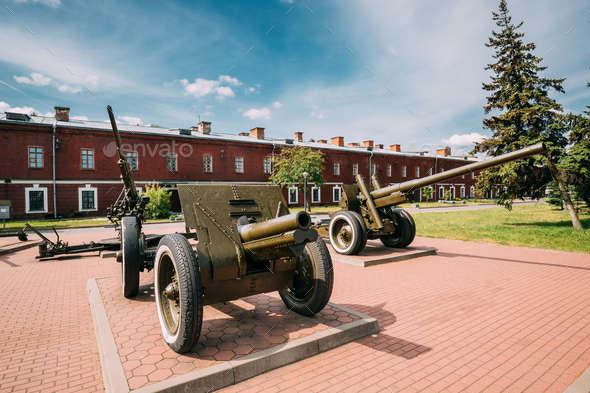 Brest, Belarus. Old Cannons In Memorial Complex Brest Hero Fortr - Stock Photo - Images