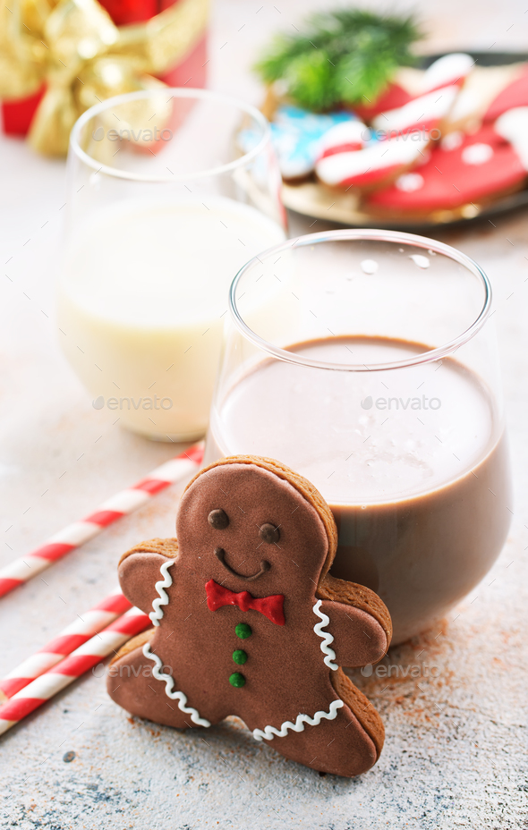 cocoa drink and gingerbread - Stock Photo - Images