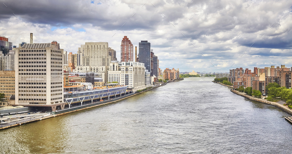 East River in New York City, USA. - Stock Photo - Images