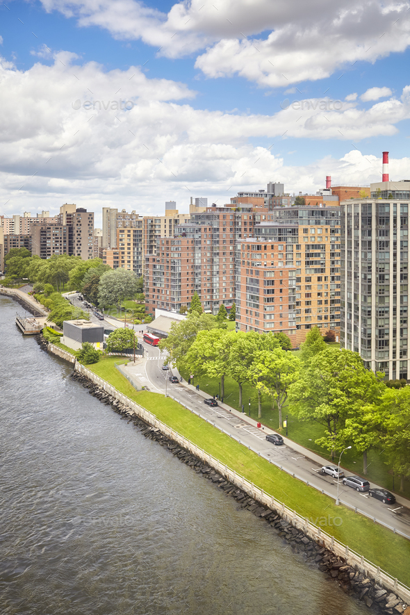 Roosevelt Island waterfront aerial picture, New York. - Stock Photo - Images