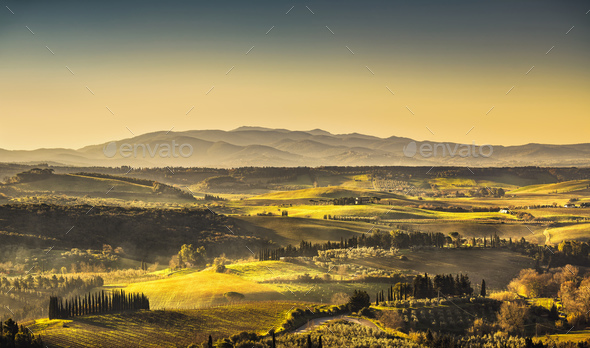 Maremma, rural sunrise landscape. Countryside old farm and green - Stock Photo - Images