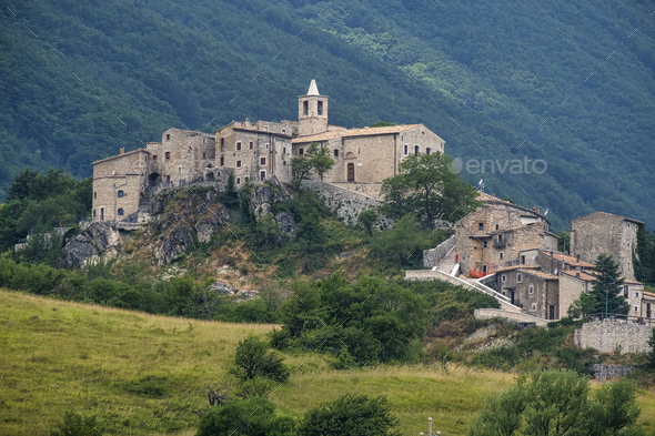 Mountain landscape of Maiella (Abruzzi) - Stock Photo - Images