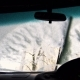 Right-hand car Windshield Wipers Clean the Snow