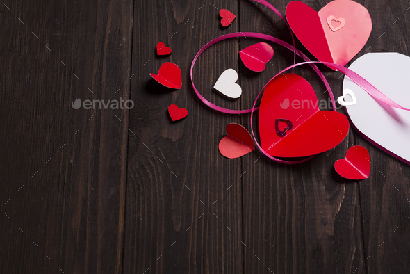 Border of Red paper hearts media love putting - Stock Photo - Images