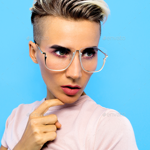Tomboy Fashion Model In Stylish Accessories Glasses Trends Eyew