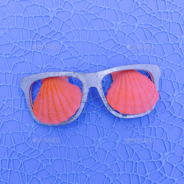 Shells and glasses. Ocean vibes Minimal art - Stock Photo - Images