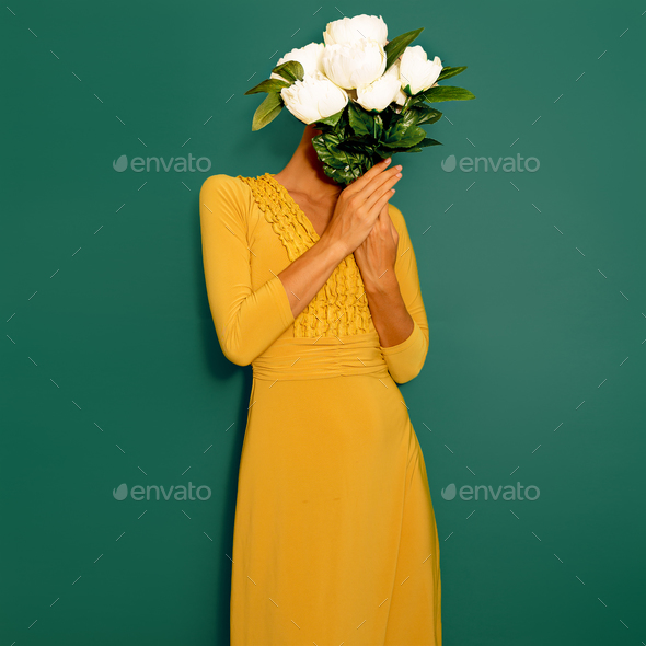 Sensual vintage Lady with a bouquet of peonies. Spring Style min - Stock Photo - Images