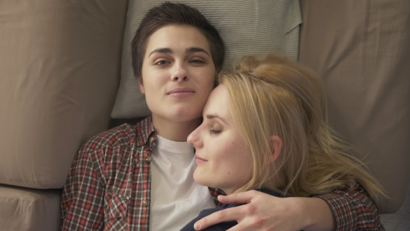 video Young lesbian