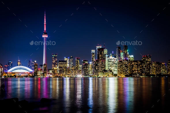 Night view of downtown Toronto 3f15ad9e537
