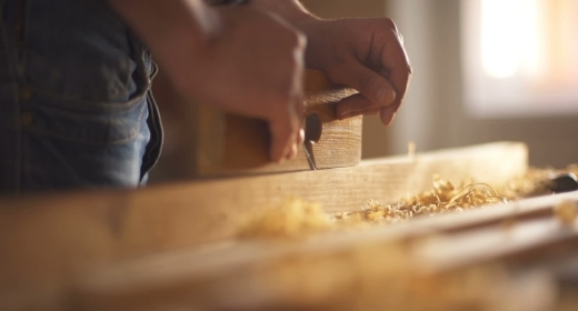 Working with the processing of wood
