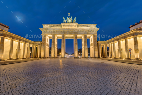 The Brandenburg Gate in Berlin at dawn - Stock Photo - Images