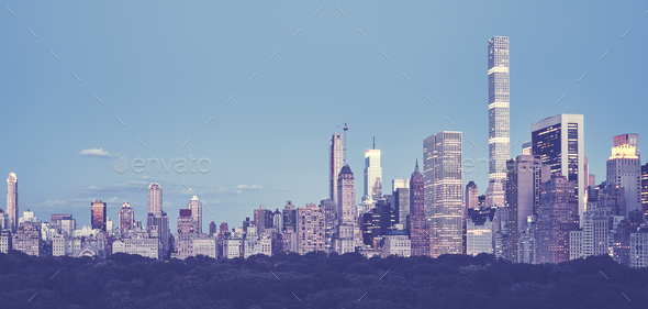 Panoramic picture of New York City skyline. - Stock Photo - Images