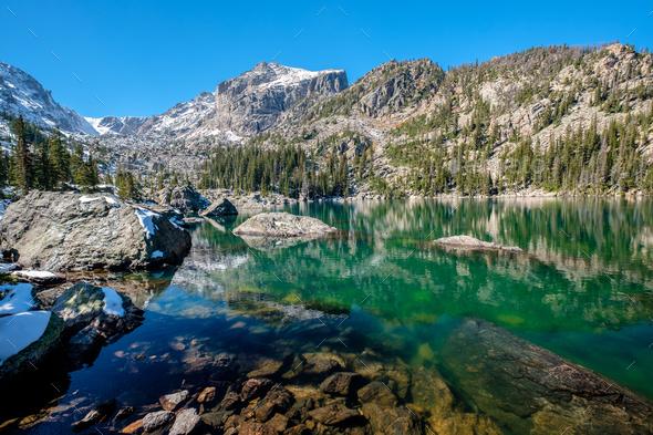 Lake Haiyaha, Rocky Mountains, Colorado, USA. - Stock Photo - Images
