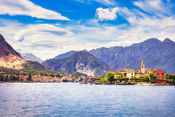 Isola dei Pescatori, fisherman island in Maggiore lake, Borromea - Stock Photo - Images