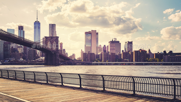 Manhattan seen from Brooklyn at sunset, New York. - Stock Photo - Images