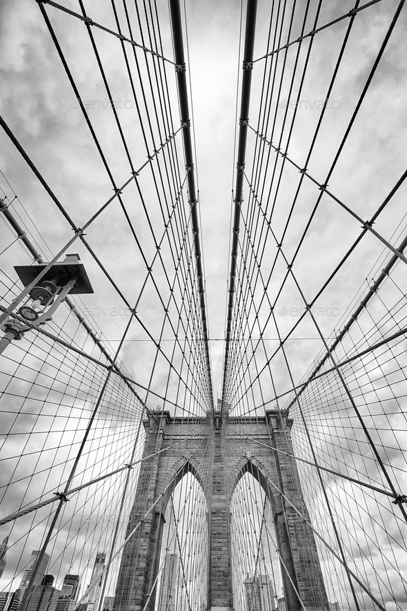 Looking up at the Brooklyn Bridge, New York City. - Stock Photo - Images