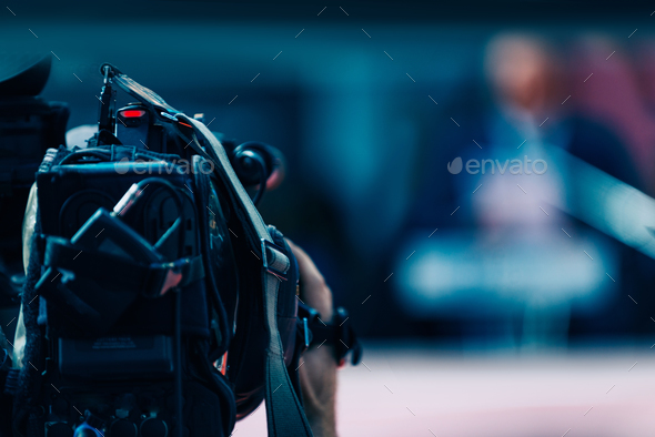 media_interview_ 2517 f1 - Stock Photo - Images