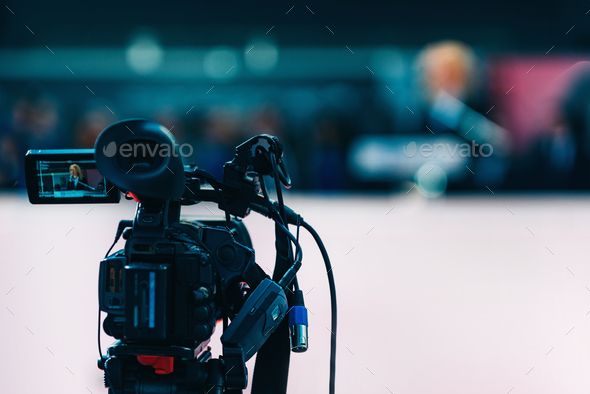 media_interview_ 2492 f1 - Stock Photo - Images